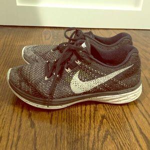 Nike Flyknit Lunar 3 Sneaker